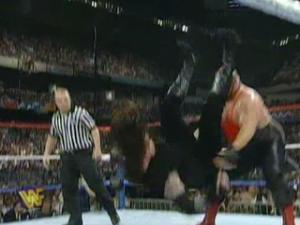 Royal Rumble 1997 The Undertaker vs Vader 4